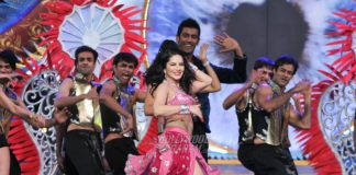 Exclusive Photos from Sunny Leone's Performance at Zee Cine Awards 2017