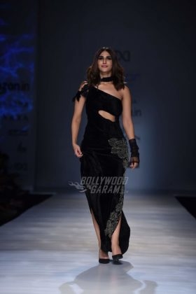 Vaani-Kapoor-AIFW-Autumn-Winter-20172