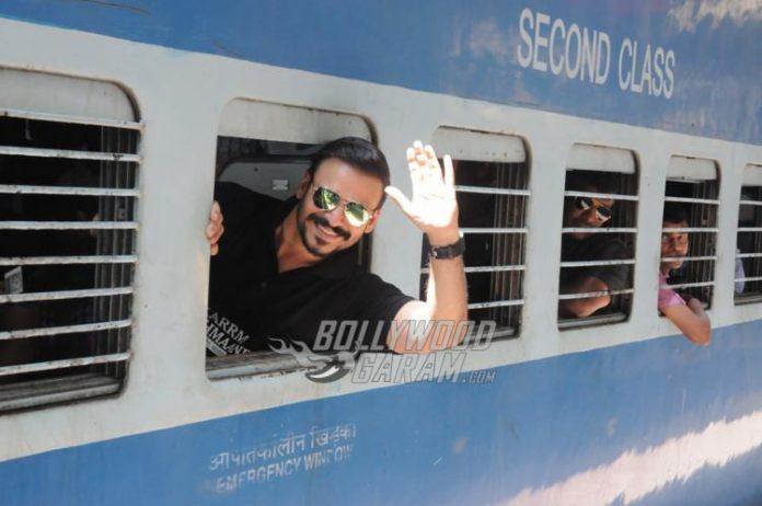 Vivek train promotions4