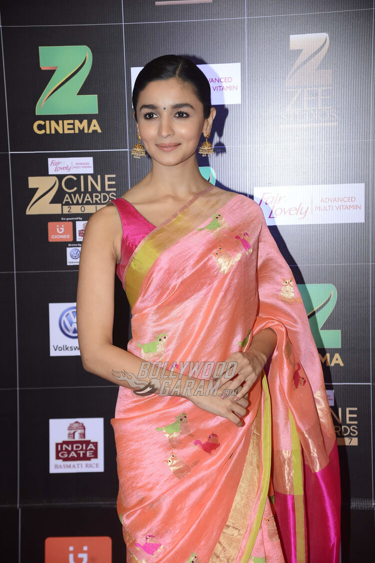 Zee Cine Awards 2017 red carpet - Alia bhatt