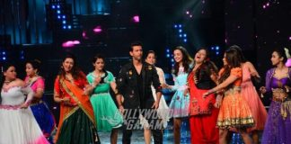 Nach Baliye 8 Episode 3 – Hrithik Roshan shows off slick dance moves