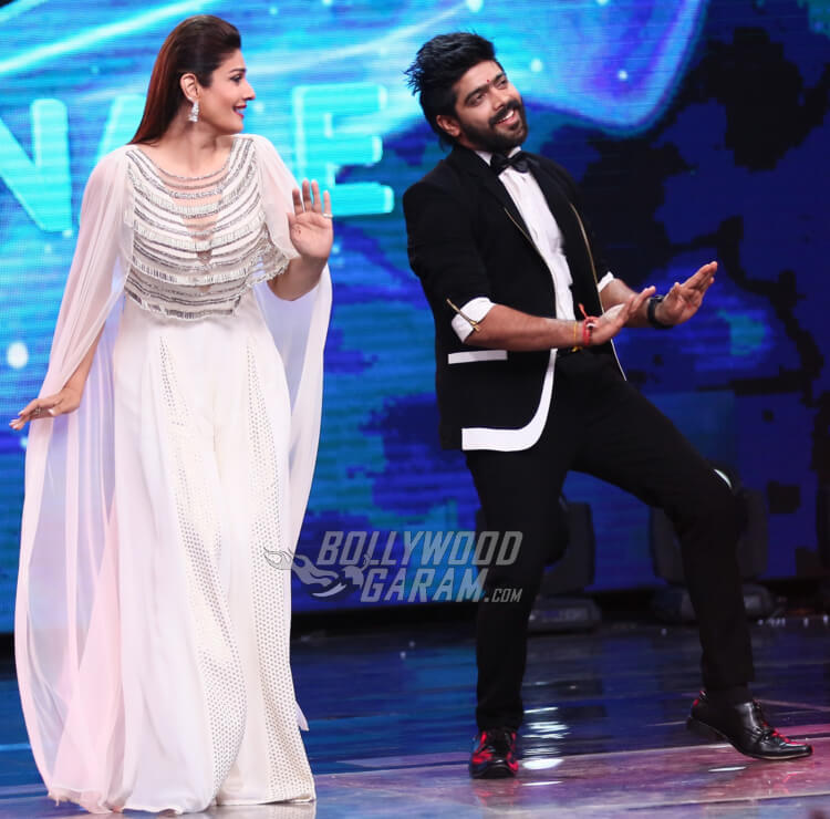 L.V Revanth dances with Raveena Tandon on Indian Idol 9 Grand Finale