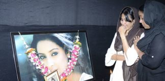 Parents, Kamya Panjabi at first death anniversary meeting for Pratyusha Banerjee – Photos