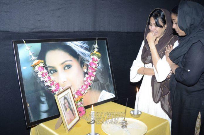 Pratyusha-Banerjee-first-death-anniversary-33