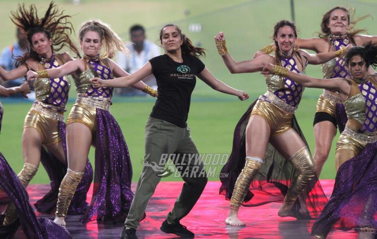 Shraddha rocks the stage at Eden Gardens