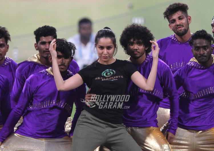 Shraddha Kapoor performs at IPL T20 Kolkata opening ceremony