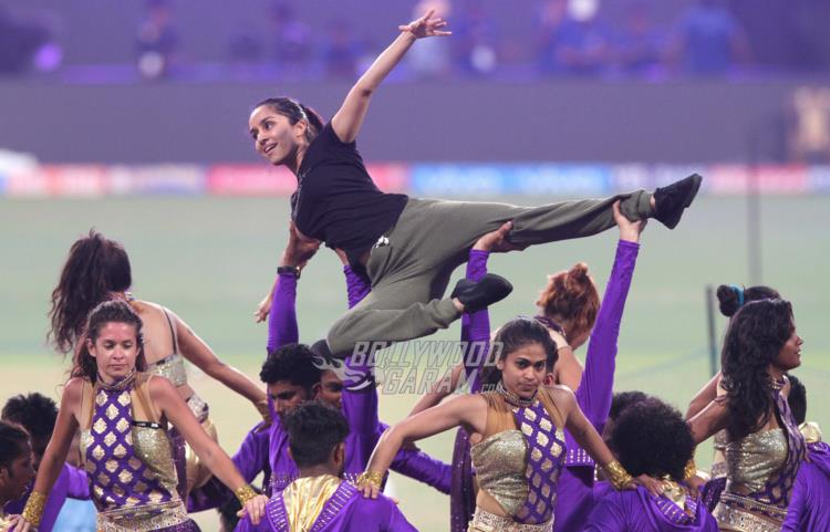 What A Performer! Shraddha Kapoor's Sizzles IPL10 KKR's Opening Ceremony At Eden