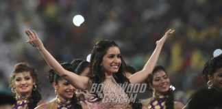 Shraddha Kapoor performs at IPL T20 Kolkata opening ceremony – Photos!