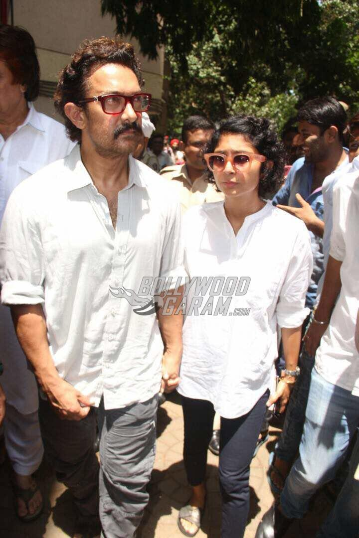 Aamir Khan and Kiran Rao at Reema Lagoo's funeral