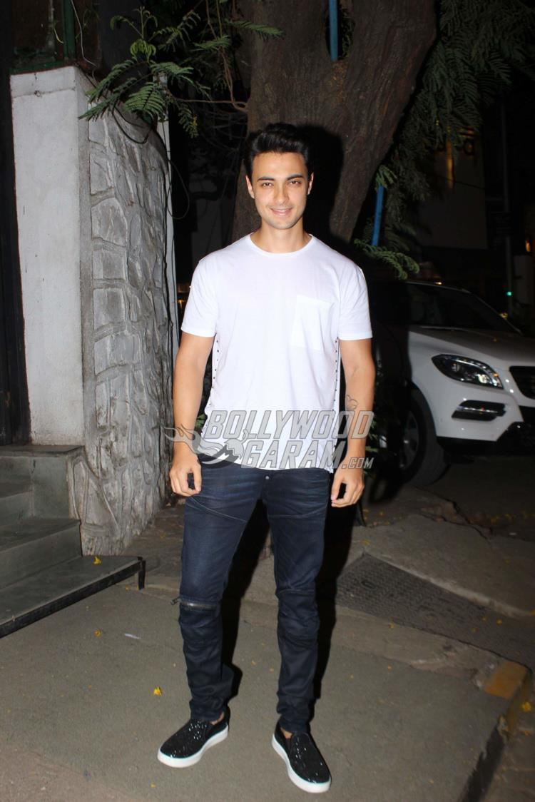 Aayush Sharma with Arpita Khan and Ahil