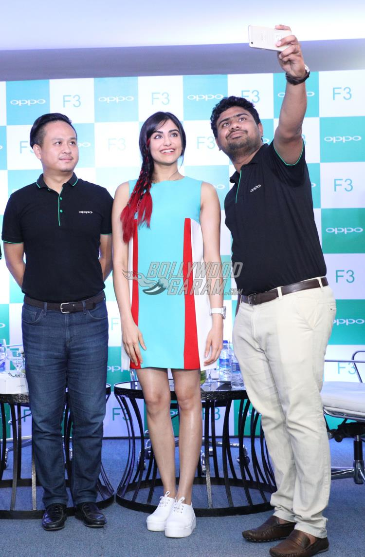 Adah Sharma launches Oppo F3 smartphone