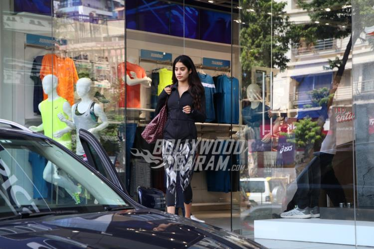 Jhanvi Kapoor spends her day on a shopping spree in the city