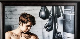 Suvigya Sharma paints a life-size portrait of Justin Bieber boxing!