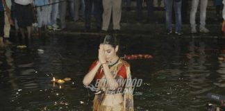 Photos – Kangana Ranaut takes holy dip in Ganga at Manikarnika poster launch