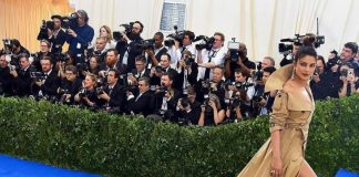 Met Gala 2017 – Priyanka Chopra makes a dramatic appearance!