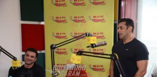 Salman Khan and Sohail Khan get a special welcome at the Radio Mirchi studio while promoting 'Tubelight'