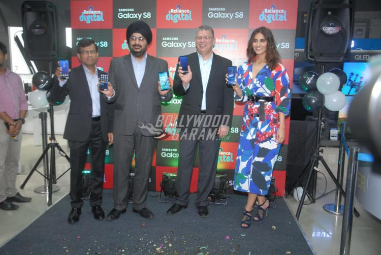 Vaani Kapoor launches Samsung Galaxy S8