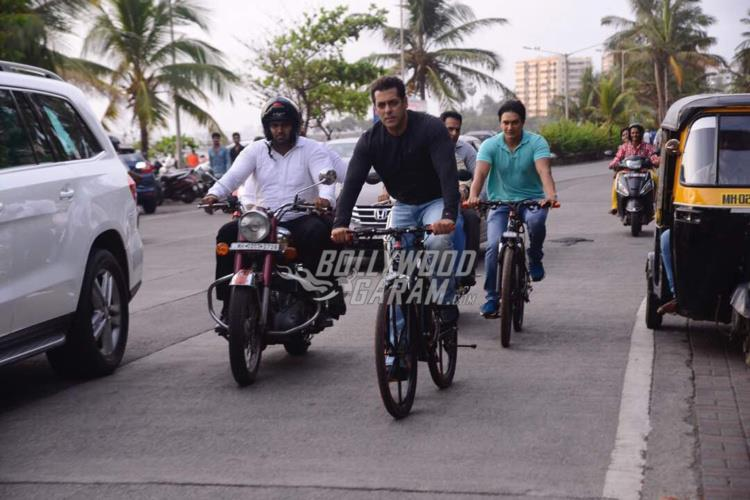 Ready movie salman khan bike
