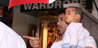 PHOTOS – Tusshar Kapoor snapped with son Laksshya Kapoor on a rainy day