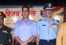 Akshay Kumar observes Kargil Vijay Diwas at an event in Mumbai – Photos
