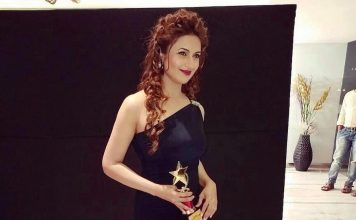 Video – Divyanka Tripathi receives Most Admired Leader In Entertainment Industry Award!