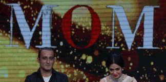 Photos – Sridevi, Akshaye Khanna promote MOM on Sa Re Ga Ma Pa L'il Champs