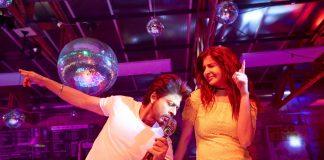 Anushka Sharma, Shah Rukh Khan launch peppy song Beech Beech Mein from JHMS