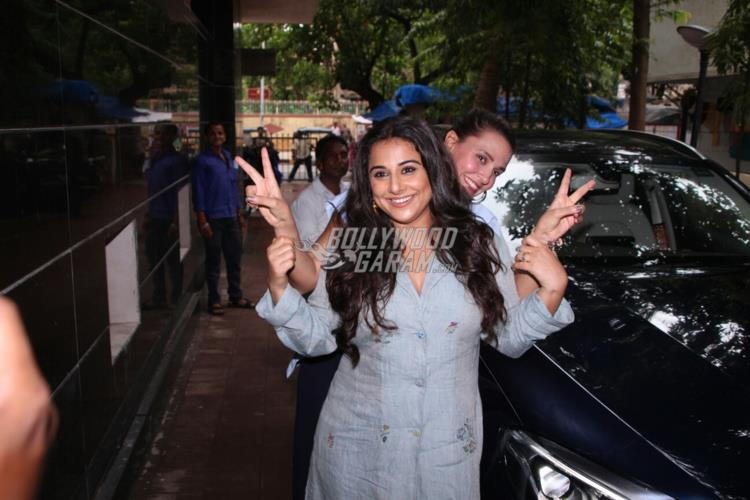 Vidya Balan meets with an accident, escapes unhurt""