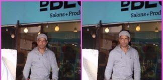 Farhan Akhtar snapped at BBlunt salon in Mumbai – PHOTOS