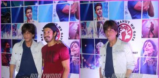 Farhan Akhtar and Shah Rukh Khan bond at Lalkaar concert – PHOTOS