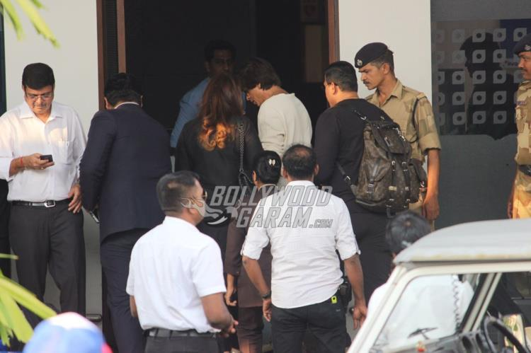 Shah Rukh Khan and family return from Ahmedabad