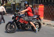 Kunal Kemmu enjoys a bike ride on the streets
