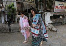 Amrita Singh and daughter Sara Ali Khan pamper themselves at a salon