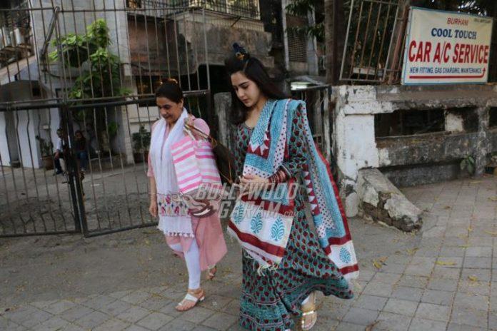 Sara Ali Khan amrita singh -1