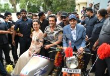 Dharmendra launches official trailer of Yamla Pagla Deewana Phir Se