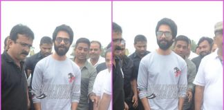 Shahid Kapoor lends a helping hand in cleaning Juhu Beach post Ganesh Visarjan