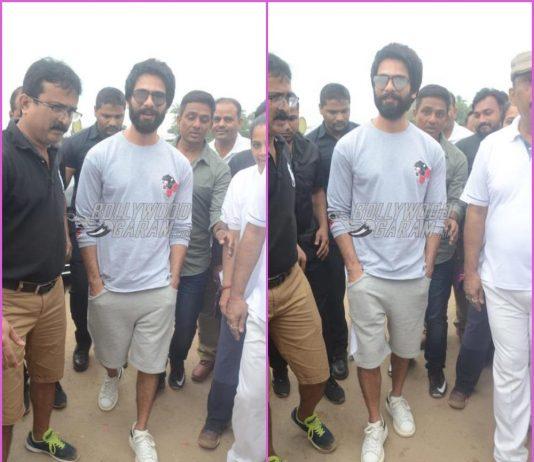 Shahid Kapoor lends a helping hand in cleaning Juhu Beach post Ganesh Visarjan