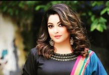 Tanushree Dutta submits complaint against Nana Patekar at police station