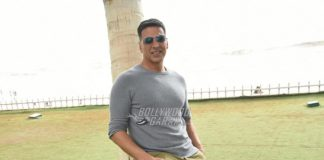Akshay Kumar to star in Hindi remake of Tamil film Kaththi