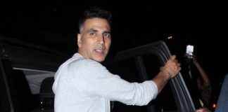 Akshay Kumar takes a ride in metro