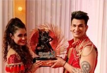 Prince Narula and Yuvika Chaudhary lift the winning trophy on Nach Baliye 9