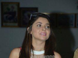 Sonalee Kulkarni announces her engagement with Kunal Benodekar on her birthday