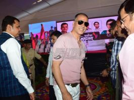 Akshay Kumar appeals people to stay safe from cyclone Nisarga