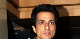 Sonu Sood donates 25,000 face shields for Mumbai police personnel