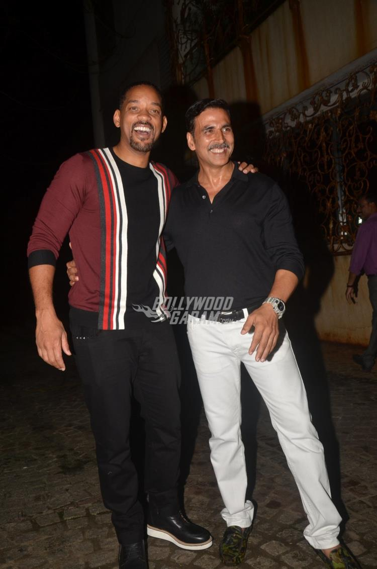 Akshay Kumar hosts Will Smith